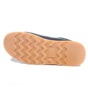 sepatu gunung tracking