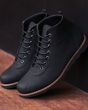 merk sepatu boots pria yang fashionabel untuk jalan jalan
